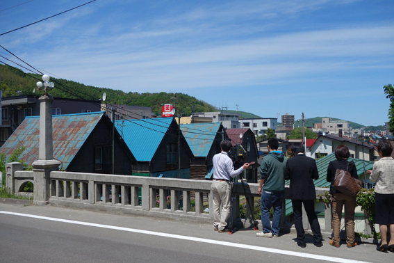 緑町の三角屋根の家